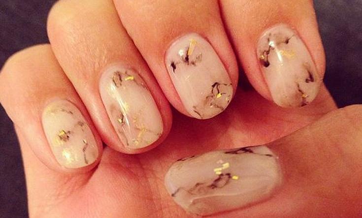 aprenda-como-criar-uma-manicure-efeito-marmore1