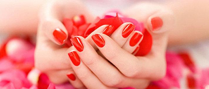 Manicure original em cor vermelho para o Natal