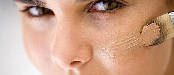 Aprenda como cobrir hematomas com maquiagem