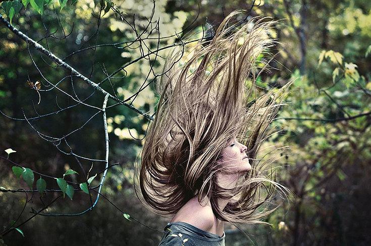 Por que meu cabelo tem muita eletricidade?