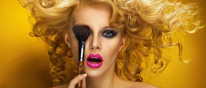 Os riscos de se usar maquiagem vencida