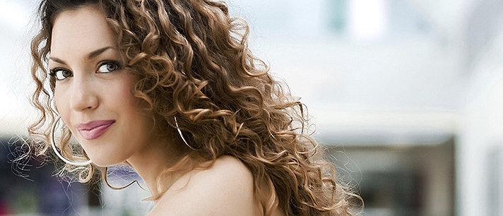 15 truques para mulheres com cabelos cacheados