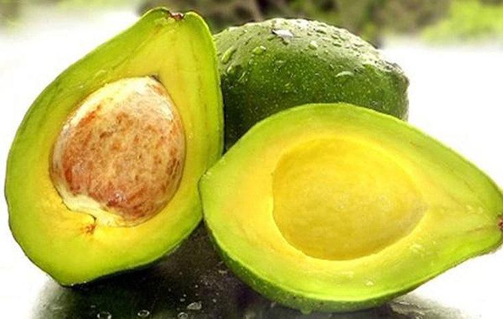 4 receitas de máscara de abacate para o cabelo