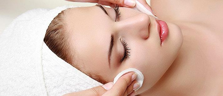 Como fazer uma limpeza de pele