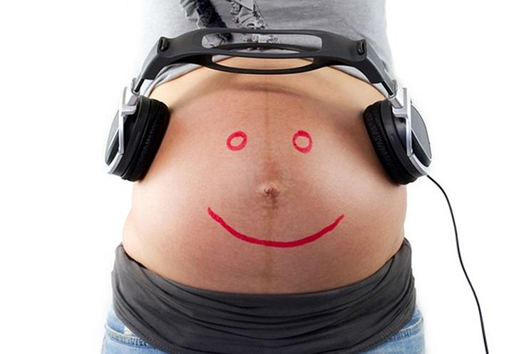 Os benefícios da musicoterapia na gravidez